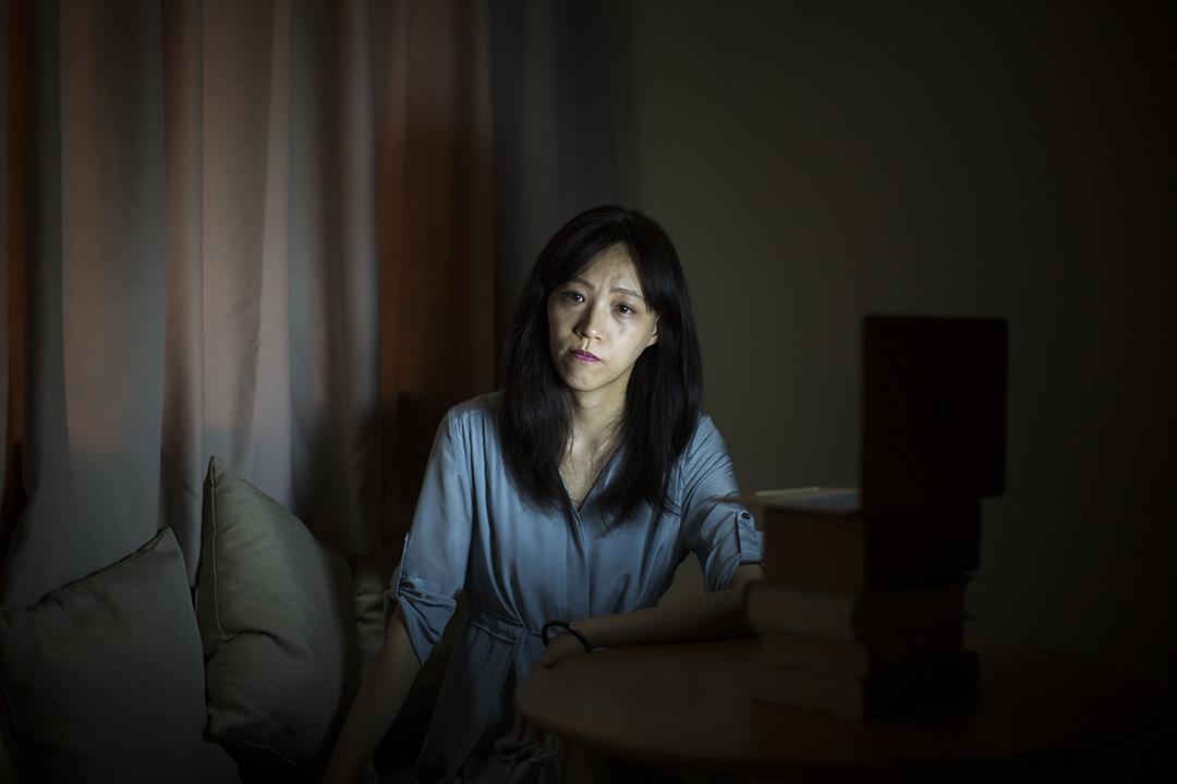 这个社会的好与坏与你无关——胡采苹的朋友劝她不要在网络上写东西。 「但我从来没听过,」她说。摄:Linda Zhang/端传媒