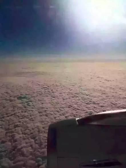 去年引爆社交网络的图片:从飞机上看北京雾霾