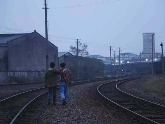 虎嗅网 | 常月Clarence :小城市在互联网时代的加速衰败