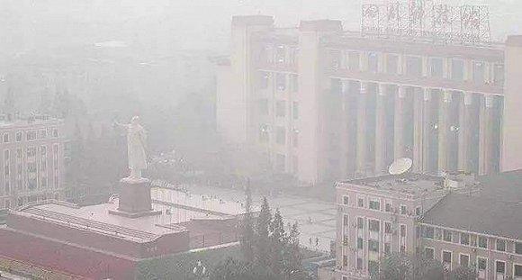 界面新闻 | 五个成都人的雾霾生活