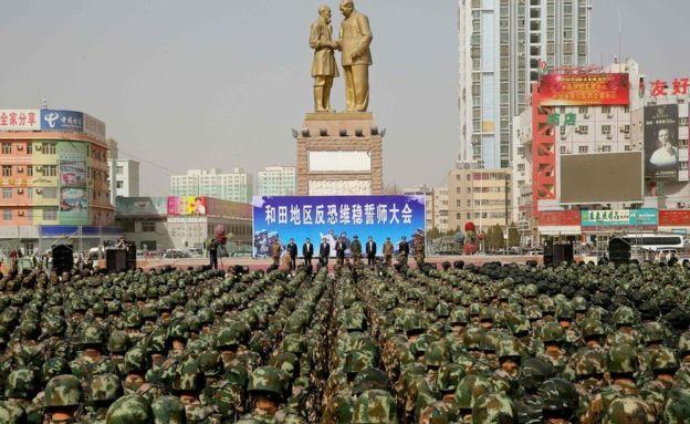 """BBC 记者来鸿:新疆—中国的""""反恐前线""""?"""