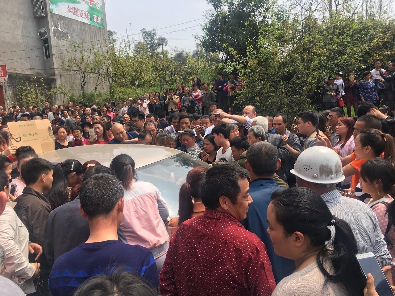 三联生活周刊|泸州中学生坠亡后的七天
