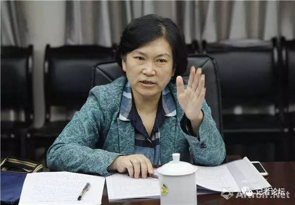 鹏友 | 武大新闻系主任夏琼辞职信火了:自称无所作为无甚建树