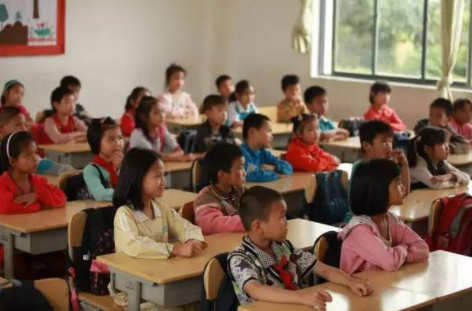 一席 | 现实是有63%的农村孩子一天高中都没上过,怎么办?