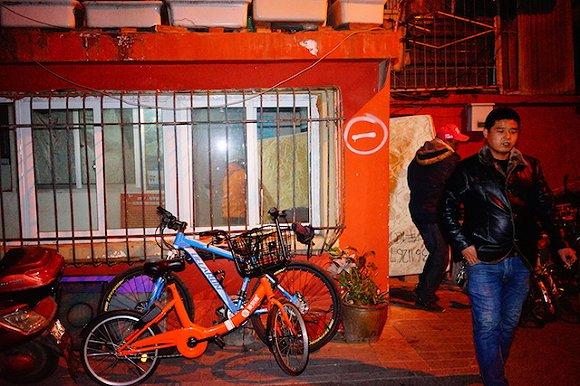 界面|【特写】北京深夜十点半