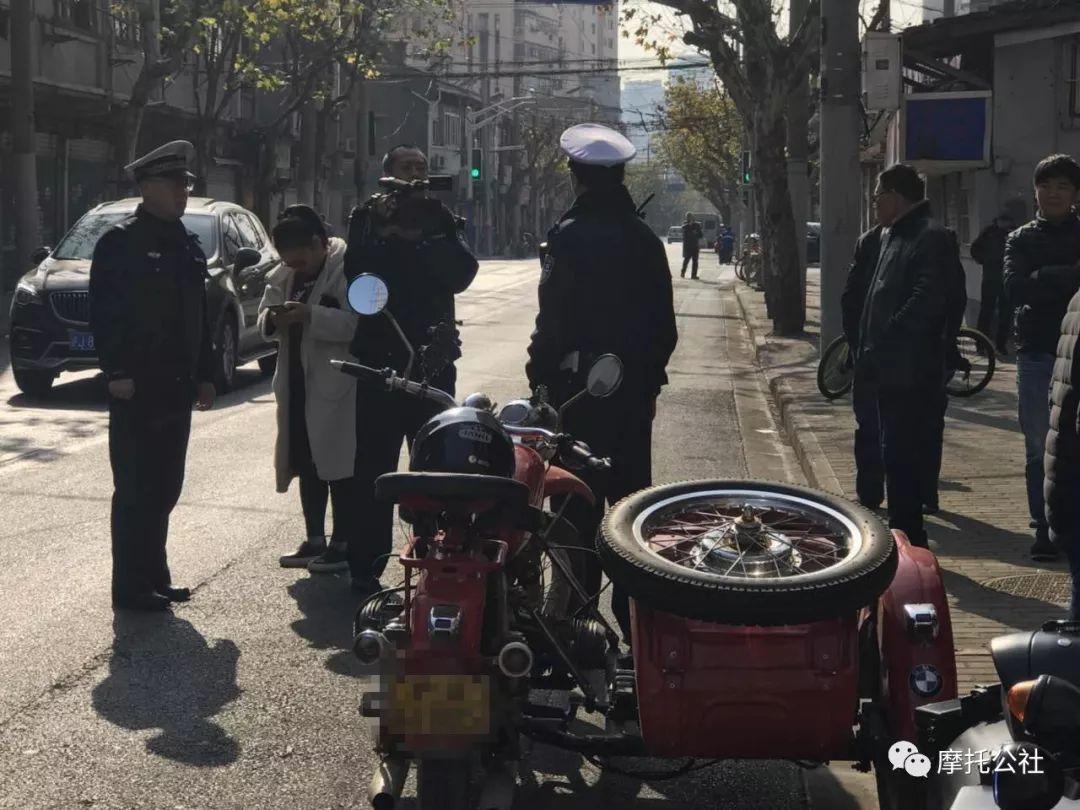 摩托公社 | 圣诞节刚过完 上海这群圣诞老人的摩托车就被扣了