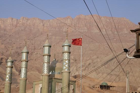 华尔街日报 | 新疆12天见闻:政府监控如何渗透日常角落