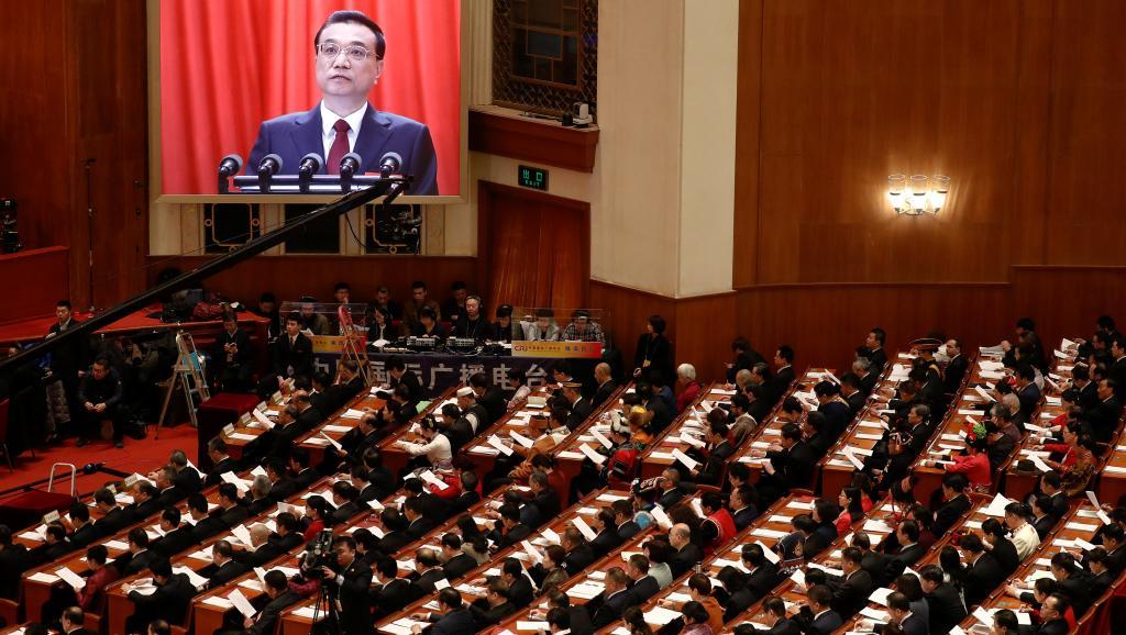 法广 | 人大副委员长强调群众一致呼吁修宪 会场两次掌声雷动