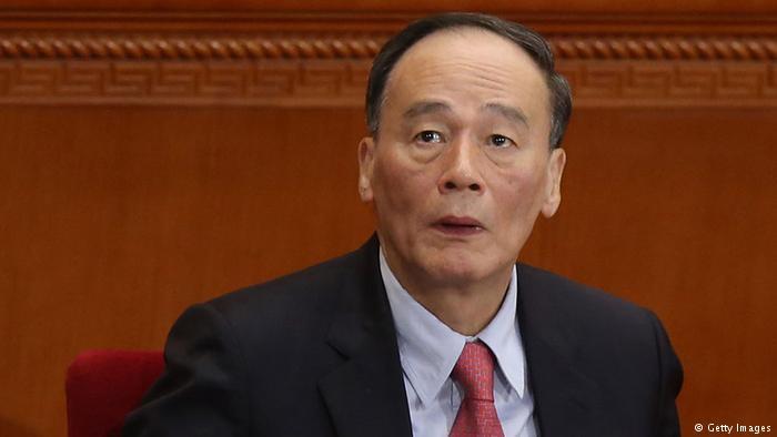 【CDTV】小哥谈政事: 习近平全票当选,王岐山怒敲桌子