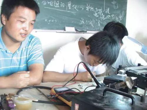 时局文摘 | 中国的芯片有多烂…工作十年的工程师告诉你
