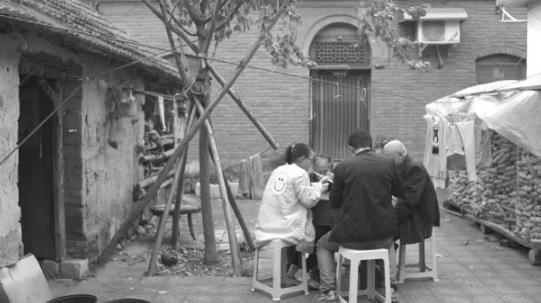 腾讯公益 | 开胸验肺后的8年,张海超见证了400场死亡和告别