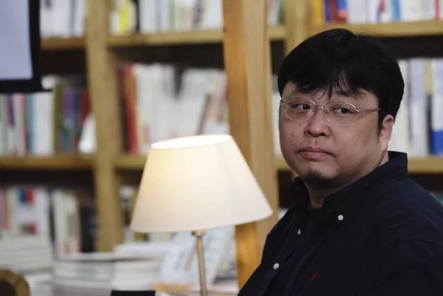 """【异闻观止】罗永浩微博解释自己""""非精日"""" 遭官媒猛批"""