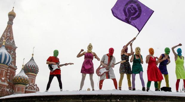 惑星之歌 | Pussy Riot:那群冲进球场的俄罗斯年轻人