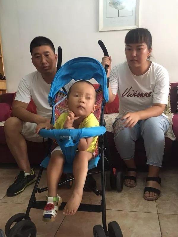 恶魔抽签丨被疫苗改变的家庭
