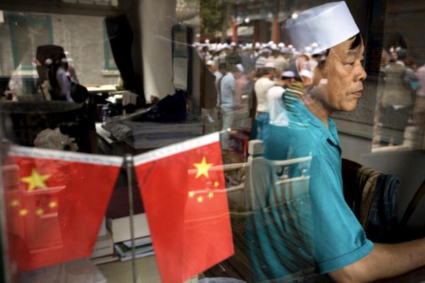 端传媒 | 北京回族家庭三代:信仰是怎样走向真空的?