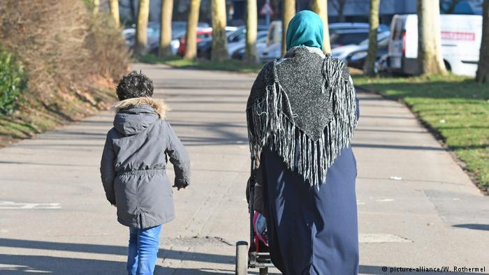 德国之声 | 柏林发遣返禁令 维吾尔难民均获准留德