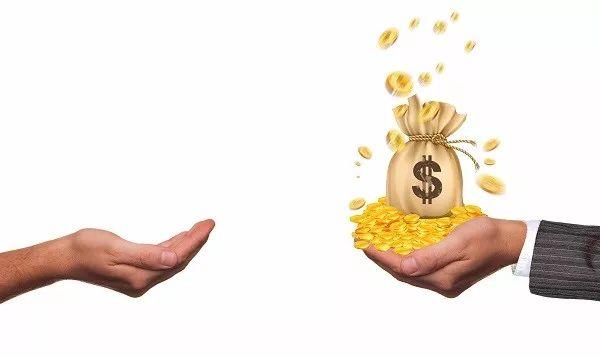 功夫财经 | 血泪工薪族:工资涨不上去,债务越压越重!