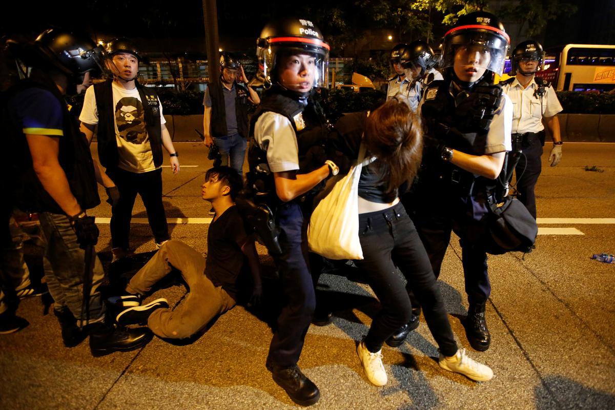 德国之声 | 香港逃犯条例二读推迟 示威者与警方发生冲突