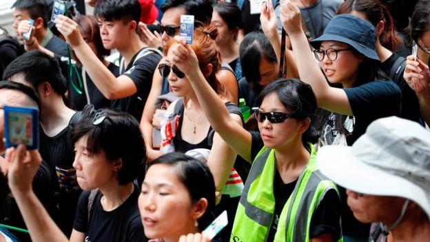 "BBC | 香港两日三场""反送中""抗议,传媒界反对警察暴力"