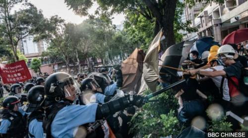 BBC | 反水货客游行再显中港矛盾,香港防暴警察上水清场