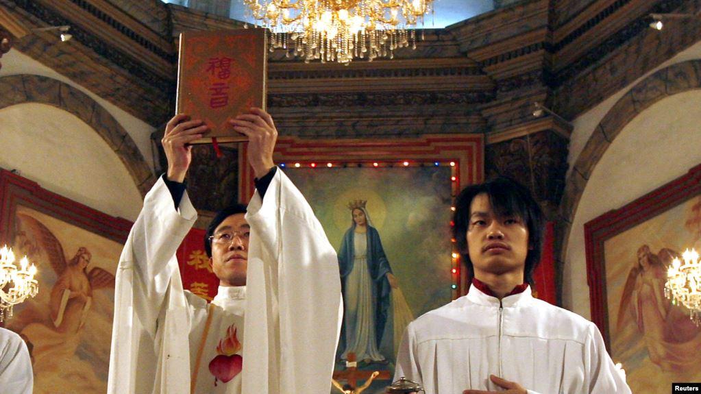 美国之音 | 中共发威上帝被逐出课本