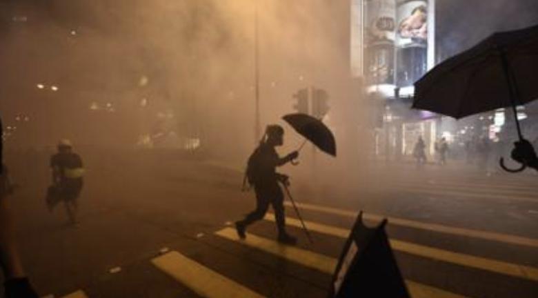 """【网络民议】""""香港这两个月的动向 是媒体环境全面崩坏"""""""