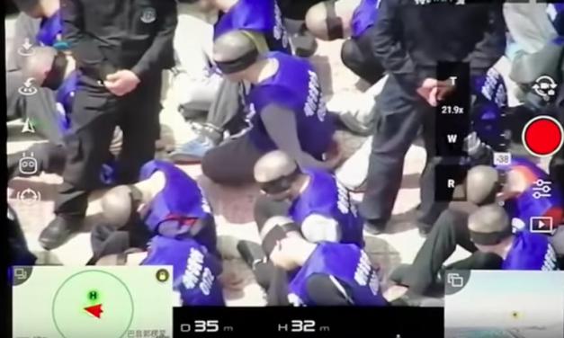 【CDTV】无人机拍到新疆犯人遭到大规模警方押送