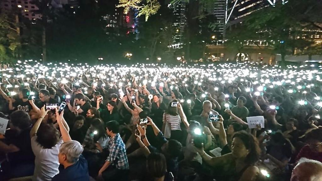 """法广   香港警察奉旨""""止暴制乱""""半年抓了5856""""暴徒""""四成是学生"""