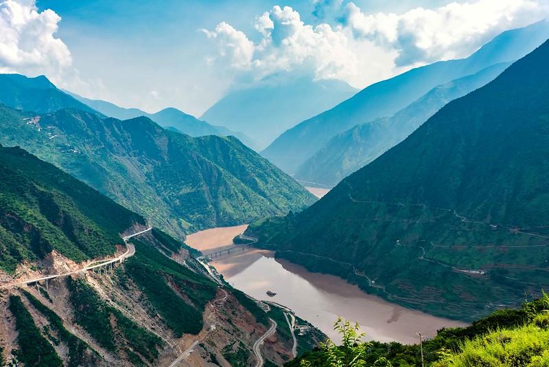 Photo: Yangtse River Valley, by Rod Waddington