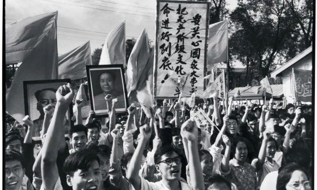 不激不随 |《紅色新闻兵》作者李振盛逝世:我一生追求见证历史、记录历史,现在安息在历史之中