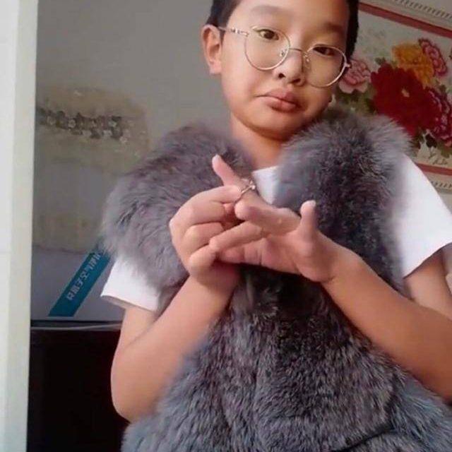 红星新闻|教育局承认学校与钟美美接触 称引导孩子拍正能量作品