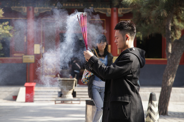 Growing in China, Buddhism Remains in Legal Limbo