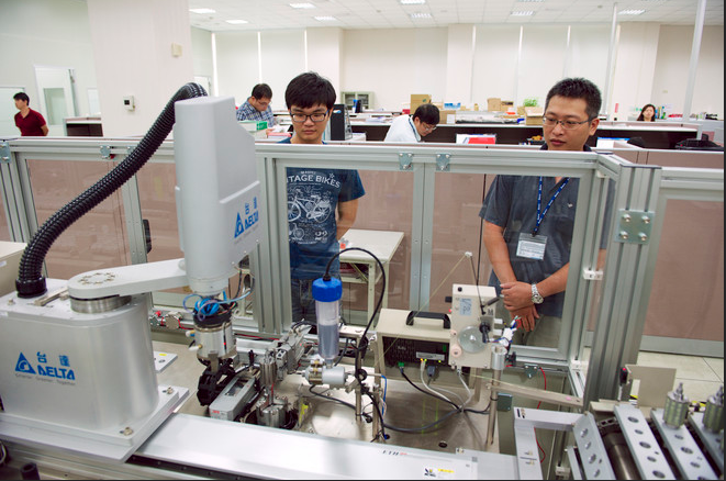 Robots May Revolutionize Electronics Manufacturing