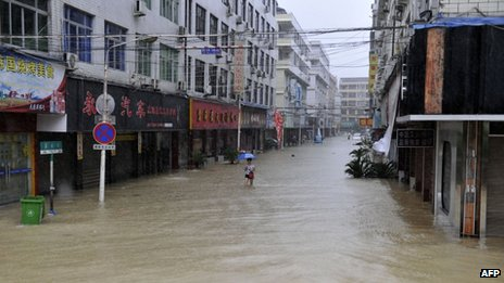 Ten Killed, Five Missing After Typhoon Fitow Hits China