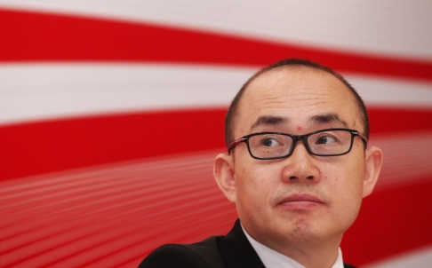 Petitioners Swamp New Legal Ombudsman Pan Shiyi
