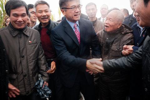 Rooted To Toishan: Gary Locke and Edward Wong