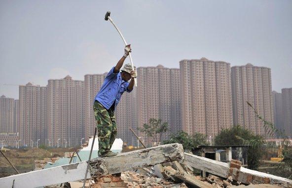 Official Puts Demolition Workers On Pedestal
