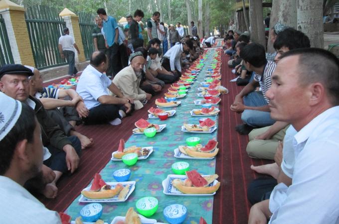 Uyghurs Defy Ramadan Ban