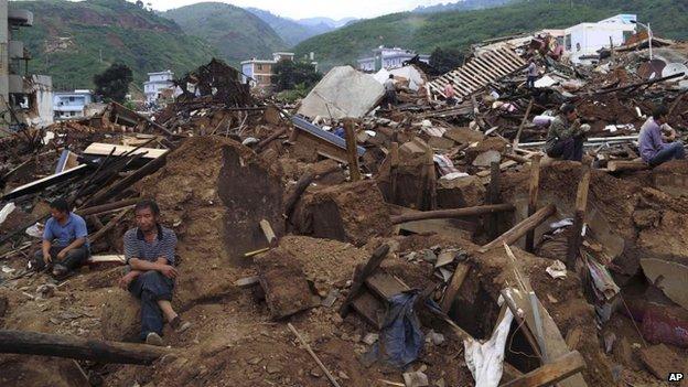 398 Killed in Yunnan Earthquake