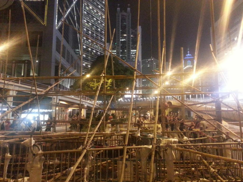 Hong Kong Police Forcibly Clear Protesters' Barricades