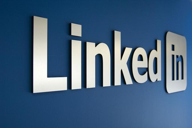 To Reach China, LinkedIn Plays by Local Rules