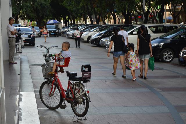 Waiting for Dad, Zhuhai