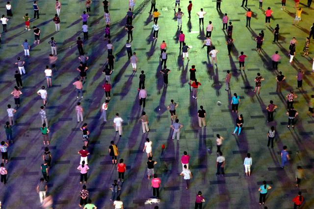 Public Dancing, Shenzhen