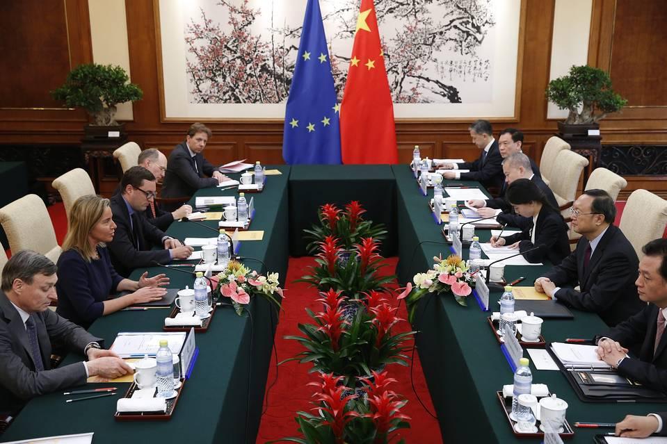 EU Firms in China Bemoan Slow Internet, Murky Laws