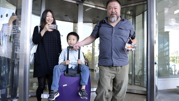 U.K. Reverses Ai Weiwei Visa Restriction