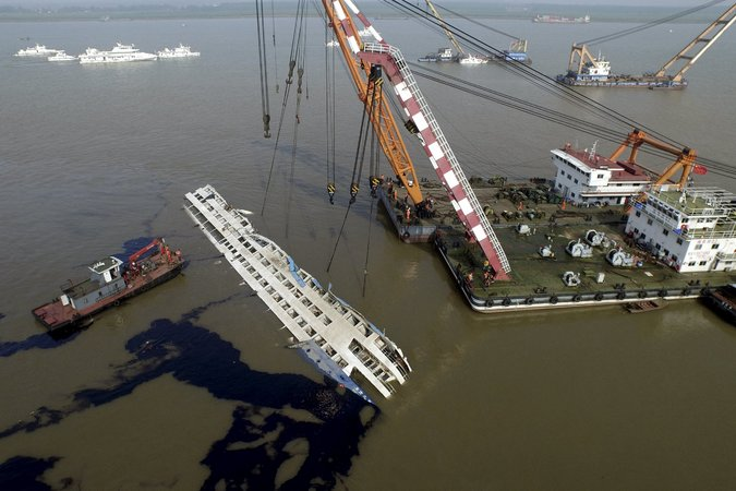 China Blames Weather in Yangtze Cruise-Ship Sinking