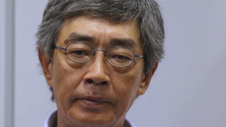 Chinese Officials Order Hong Kong Bookseller to Return