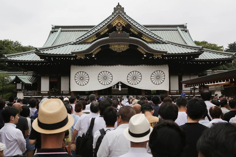 Abe Avoids War Shrine After Reported Chinese Request