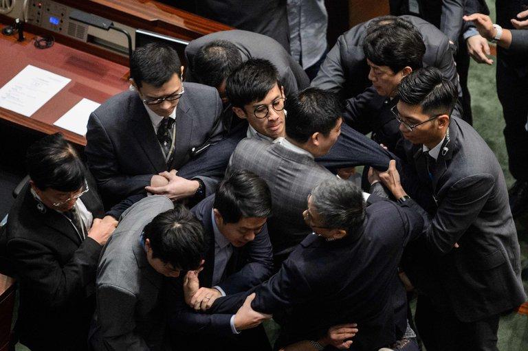 Beijing Set to Interpret HK Law Over LegCo Oaths