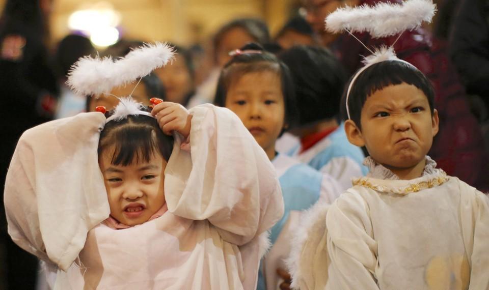 Cardinal Rebukes Vatican-China Deal